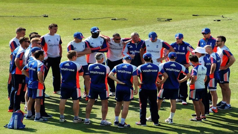1280px-England_Cricket_Team_-_The_Ashes_Trent_Bridge_2015_20410463691_870x474